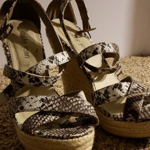 Snake Print Wedges Size 8 Only worn 2 times